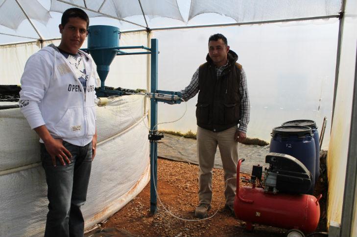 Alumno de uaq amealco desarrolla alimentador autom tico for Alimentador automatico peces