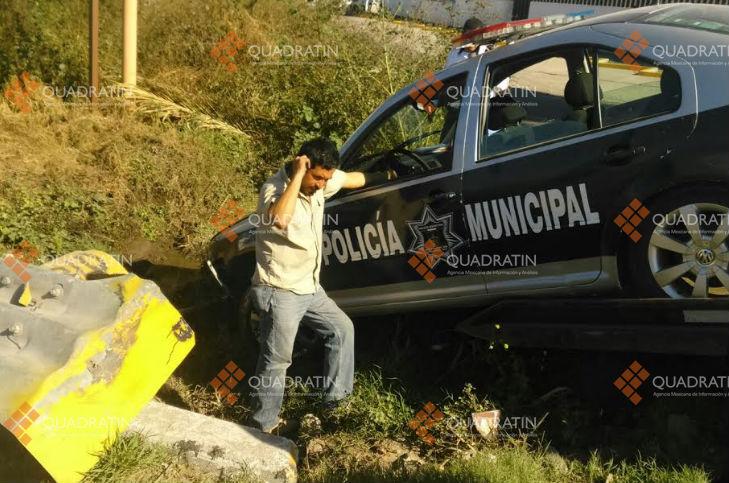 Polic as municipales sufren accidente vial en puerta for Puerta navarra queretaro