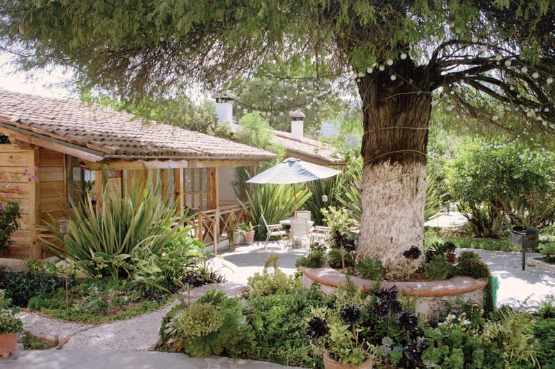 Vista exterior de una cabaña dentro de la zona de Bernal