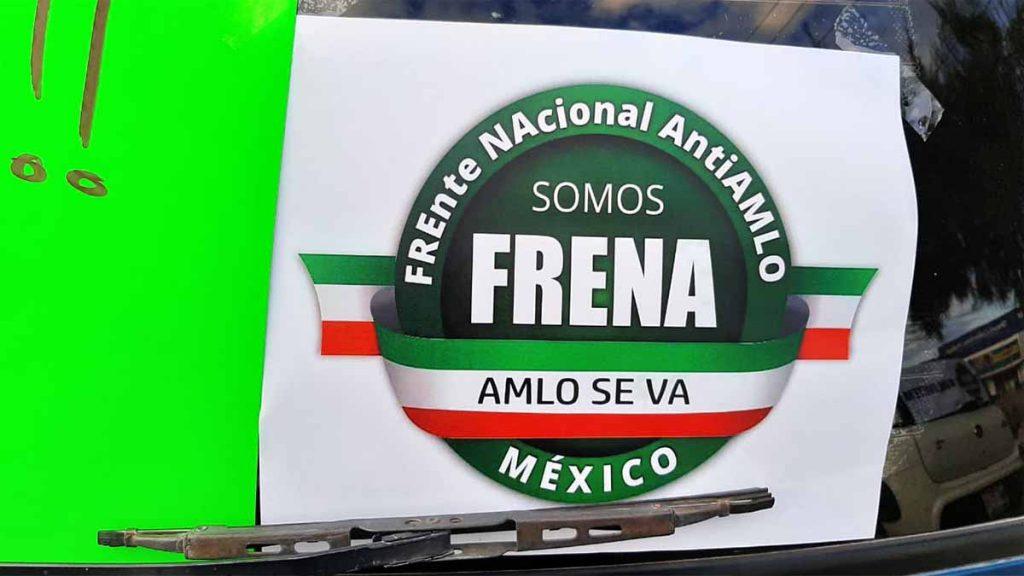 Exigen en caravana renuncia de Andrés Manuel López Obrador